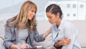 woman-providing-pregnancy-counseling