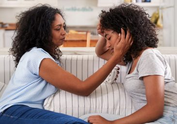5 Tips to Support Your Pregnant Teen Daughter